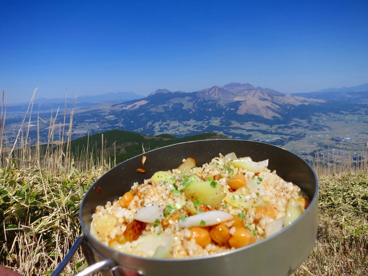 阿蘇外輪山 地蔵峠、俵山、冠ヶ岳で焼き飯&コーヒーなのだ!