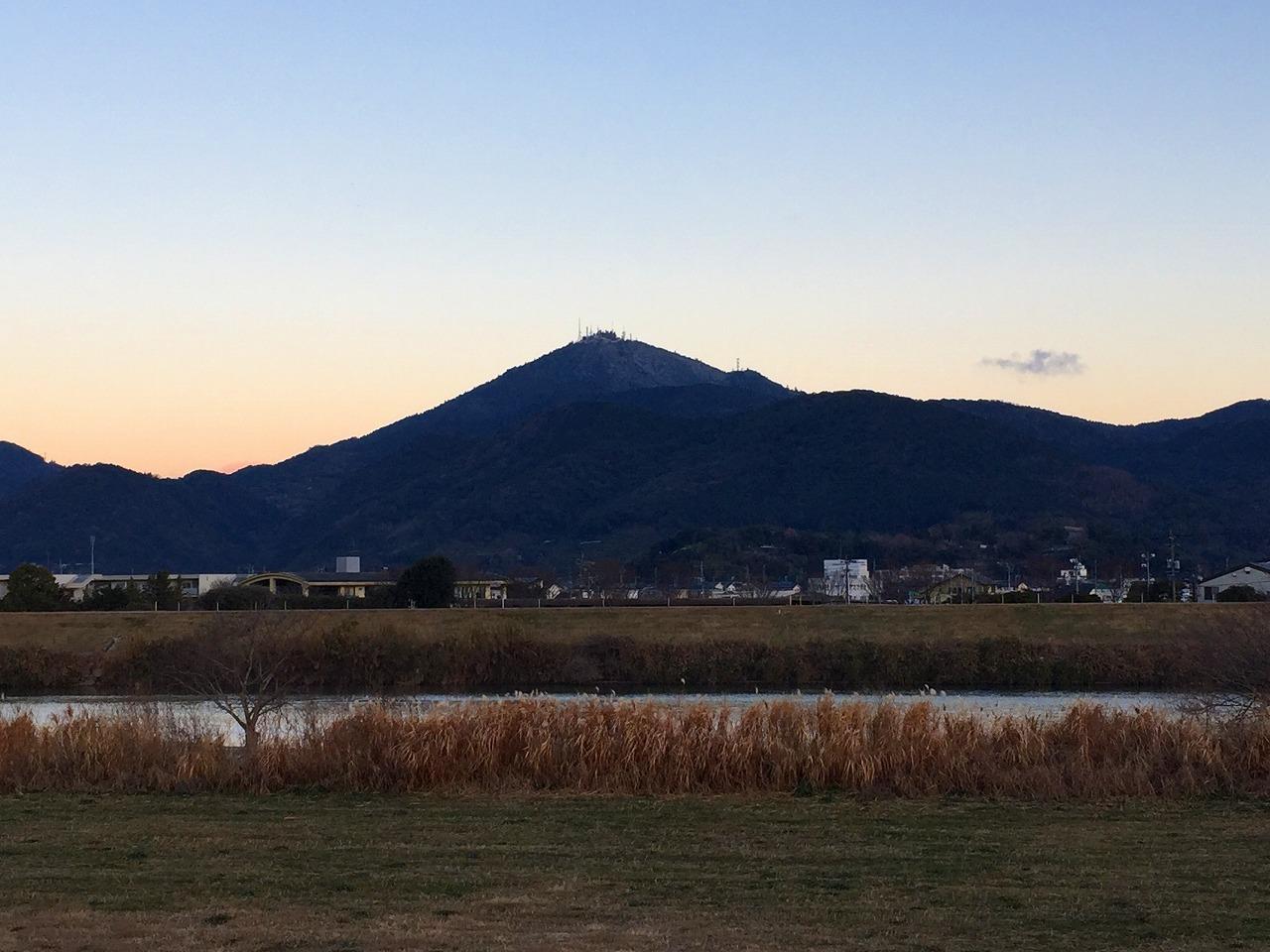うっすら白い金峰山