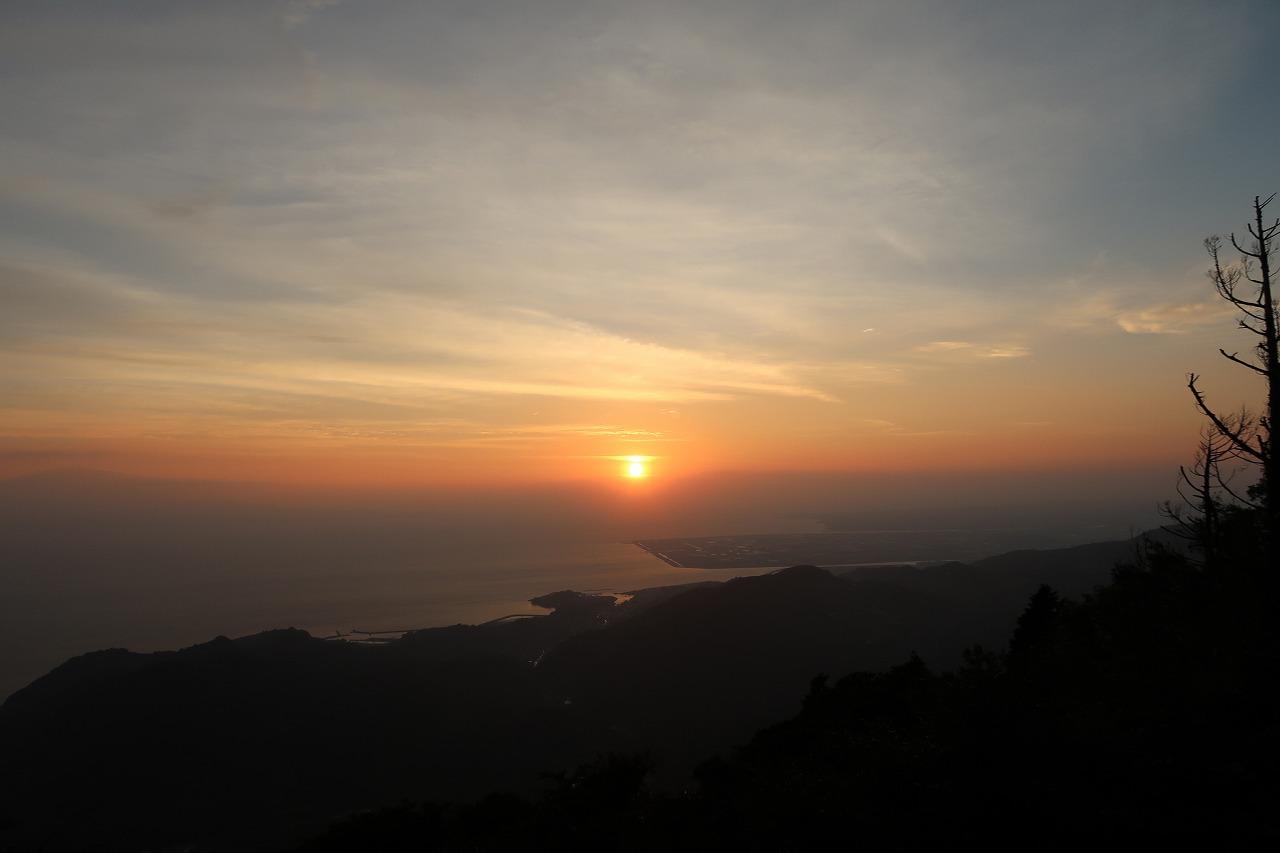 夕焼け金峰山