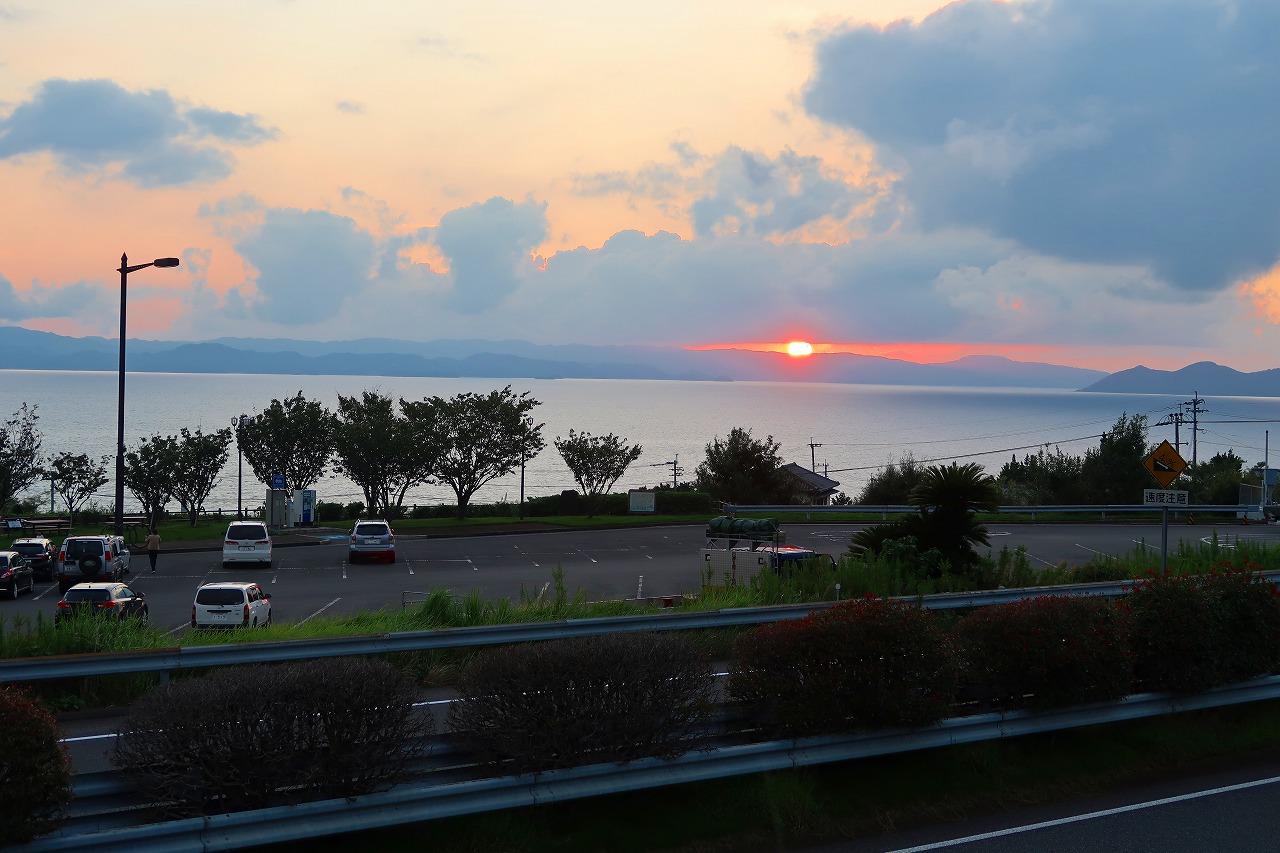 大村湾に沈む夕日