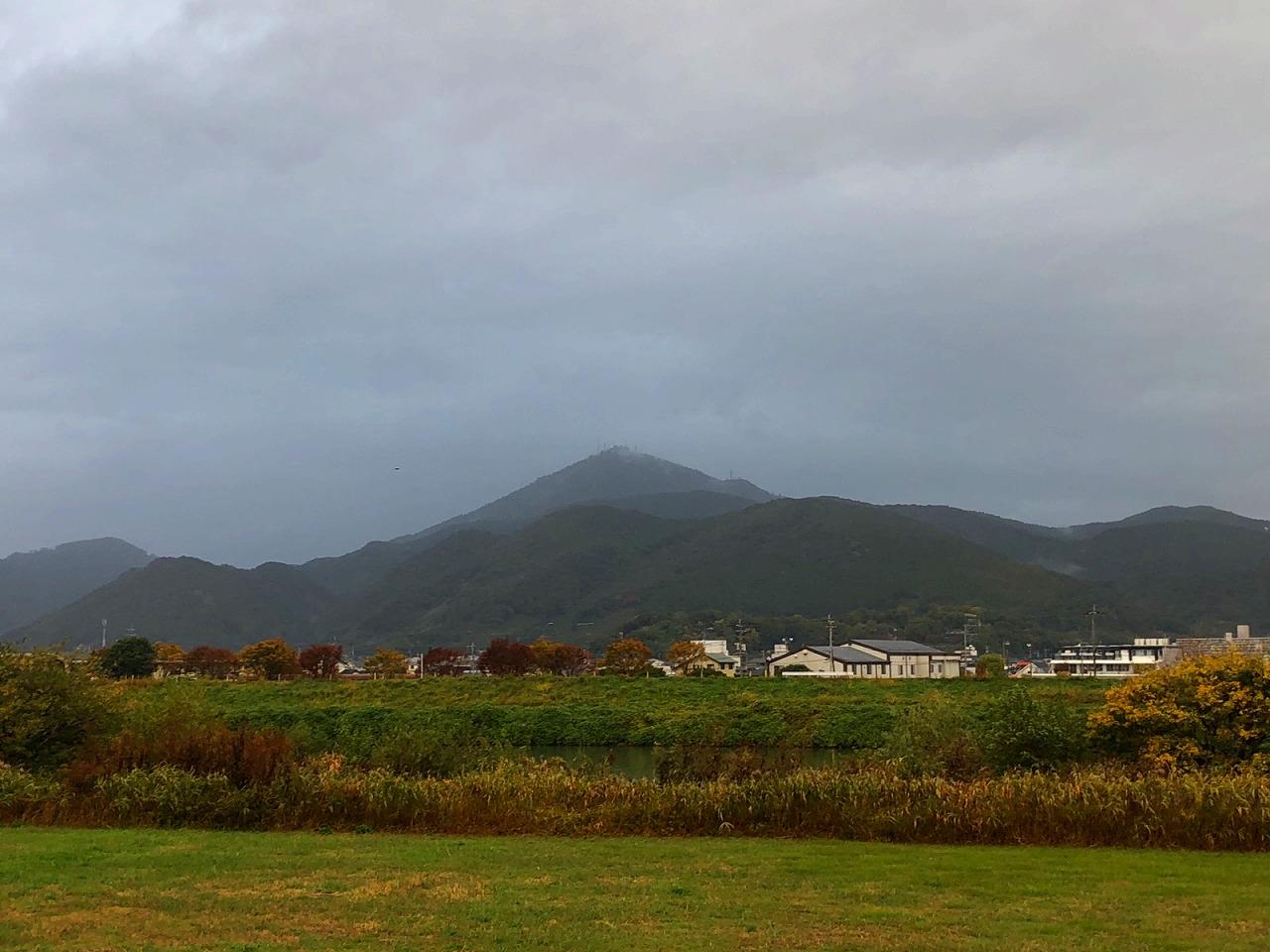 208.11.9 今朝の金峰山です。