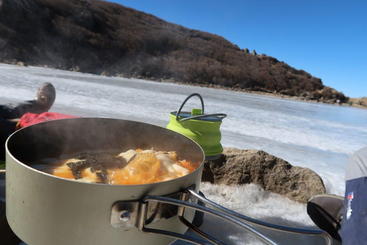 くじゅう氷結御池でキムチ鍋なのだ!
