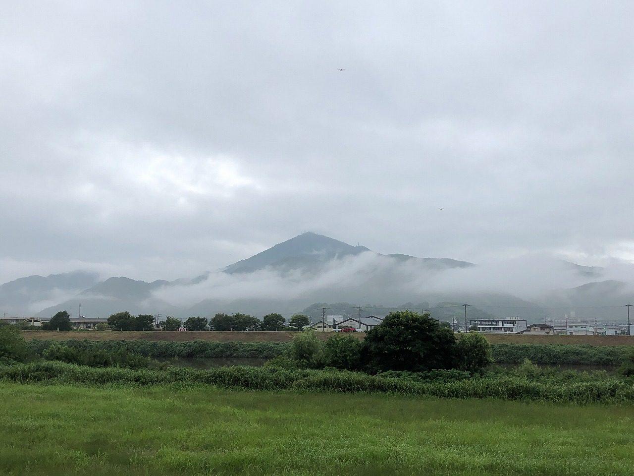2019.7.4今朝の金峰山です。朝は、濃霧注意報がでてたのだ。