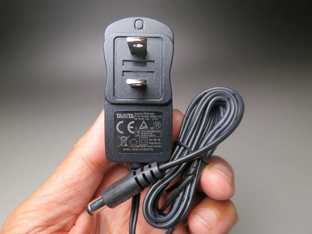 UV305-0905 ACアダプター