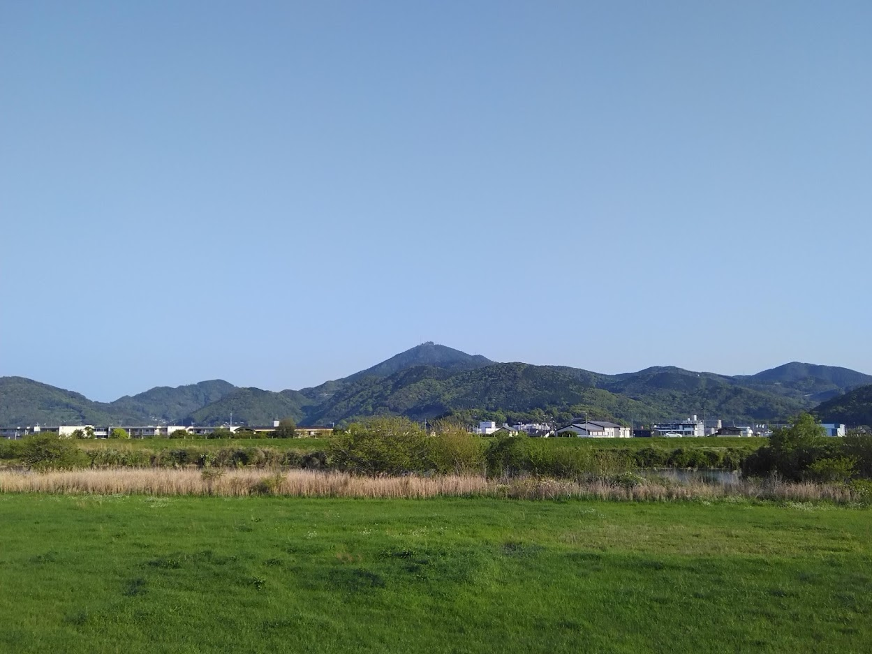 2021.4.7今朝の金峰山です。